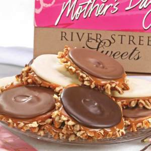 Mothers Day Box of Assorted Bear Claws - Asst Bear Claw 18pc Mothers Day Box (DELUXE)
